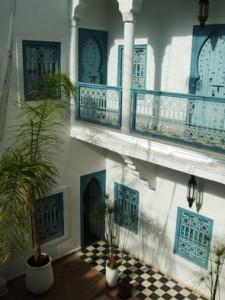 riad Marrakech avec Assia Dari Eulalie Besch Charles Duchesne Pierre-Edouard Sabary Cindy Mbayen Jerome Hoarau