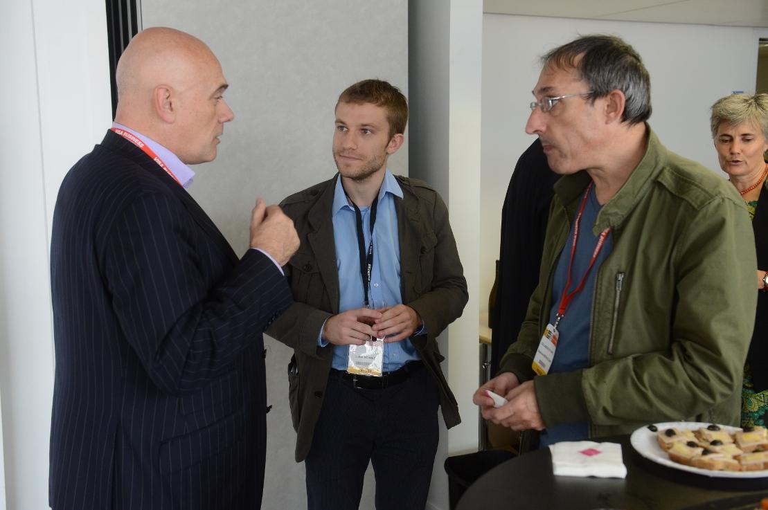 Julien en discussion avec le grand Philippe Gabilliet